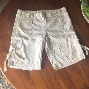 American Eagle cargo shorts sz 10